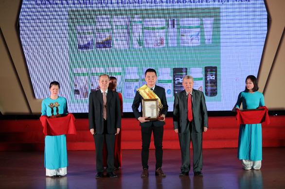 Herbalife Việt Nam nhận giải thưởng Sản phẩm vàng vì sức khỏe cộng đồng - Ảnh 1.