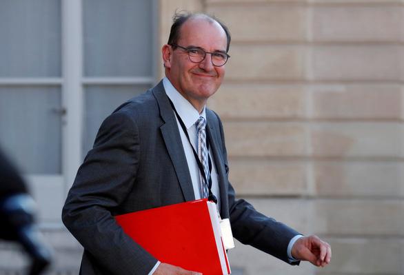 Pháp có thủ tướng mới chỉ vài tiếng sau khi người cũ ra đi - Ảnh 1.