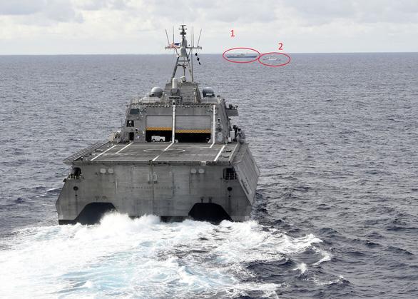 Tàu chiến Mỹ, tàu kiểm ngư Việt Nam, tàu Hải Dương 4 xuất hiện gần nhau ở Biển Đông - Ảnh 1.