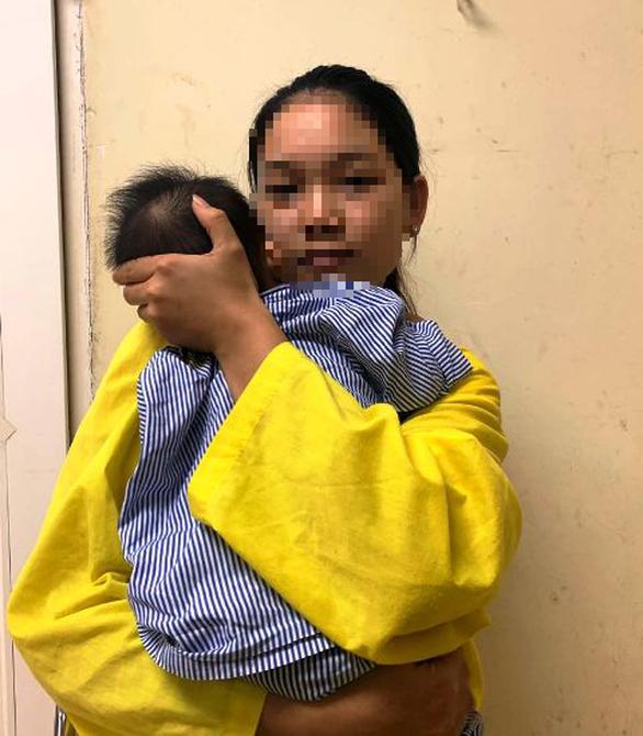Sợi inox hơn 2cm găm trong cổ bé gái 8 tháng tuổi suốt 3 tháng - Ảnh 2.