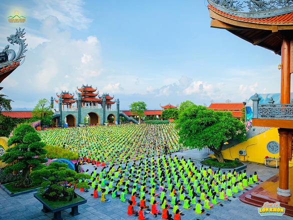 Chùa Ba Vàng kết thúc sớm khóa tu mùa hè của 3.000 khóa sinh - Ảnh 1.