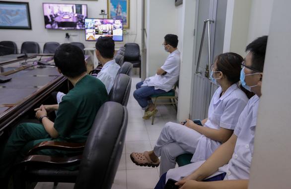 Bộ Y tế tăng cường nhân lực chia lửa cho Đà Nẵng chống dịch COVID-19 - Ảnh 1.