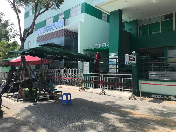 Dừng tiếp nhận bệnh nhân vào Bệnh viện Hoàn Mỹ Đà Nẵng - Ảnh 2.