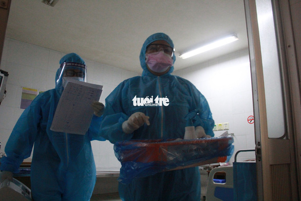 Sẽ xét nghiệm COVID-19 với nhân viên Bệnh viện Hoàn Mỹ Đà Nẵng - Ảnh 1.