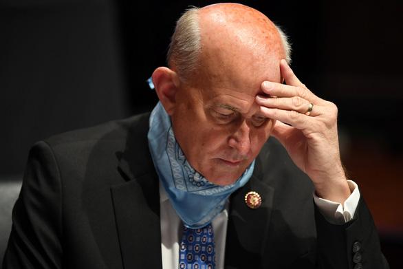 Thêm một nghị sĩ dương tính, Hạ viện Mỹ bắt buộc đeo khẩu trang - Ảnh 1.
