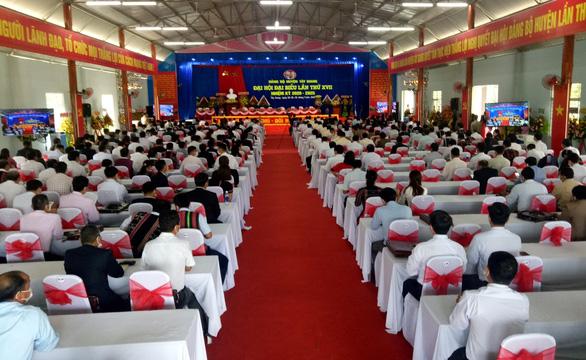Phó bí thư huyện rớt ban chấp hành đảng bộ nhiệm kỳ mới - Ảnh 1.