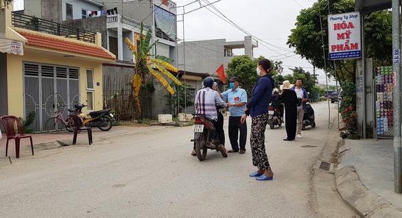 Hải Phòng tái lập chốt kiểm soát ở thôn, tổ dân phố để ngăn ngừa COVID-19 - Ảnh 1.