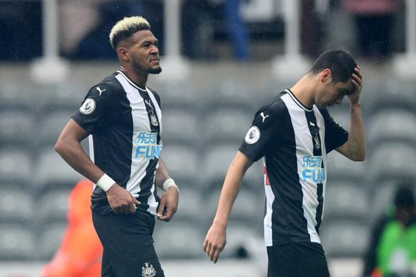 Đổi chủ bất thành, Newcastle vỡ mộng làm đại gia giống Man City - Ảnh 1.