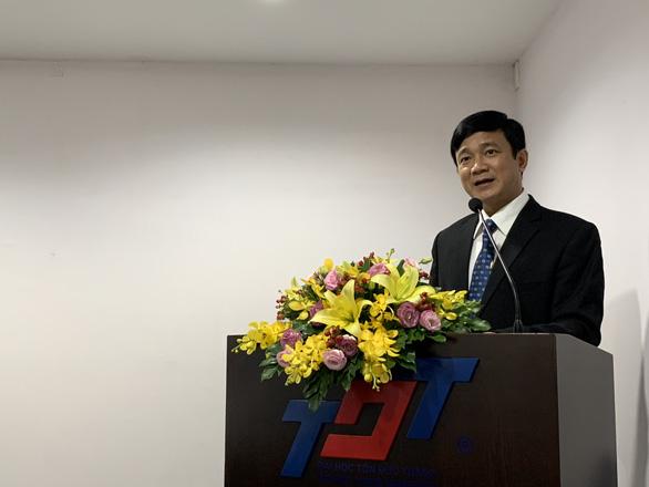 Đình chỉ chức vụ bí thư Đảng ủy đối với hiệu trưởng Trường ĐH Tôn Đức Thắng - Ảnh 1.