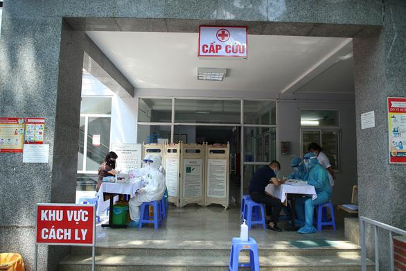 Người khai về từ Đà Nẵng vọt lên gần 54.000, Hà Nội khẩn cấp bổ sung test nhanh COVID-19 - Ảnh 1.