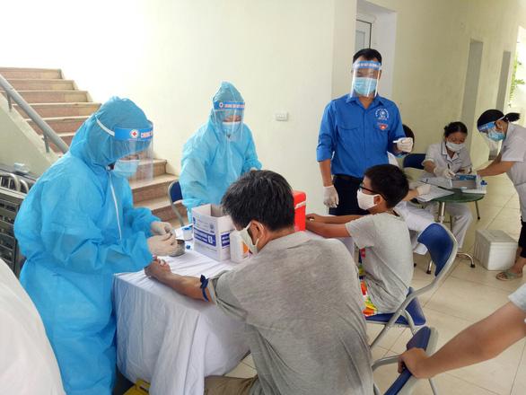 Hà Nội: Đưa đoàn viên, thanh niên hỗ trợ xét nghiệm nhanh COVID-19 - Ảnh 2.