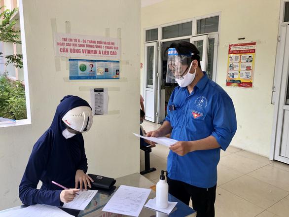 Hà Nội: Đưa đoàn viên, thanh niên hỗ trợ xét nghiệm nhanh COVID-19 - Ảnh 1.