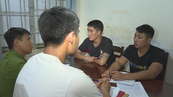 Tạm giữ thêm 4 thanh niên trong vụ hỗn chiến trên đường phố Buôn Ma Thuột - Ảnh 1.