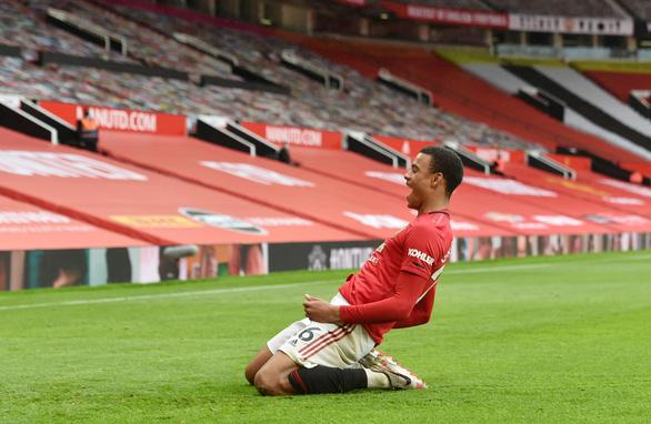 Tiền đạo 18 tuổi Greenwood tỏa sáng, Man Utd nhấn chìm Bournemouth - Ảnh 4.