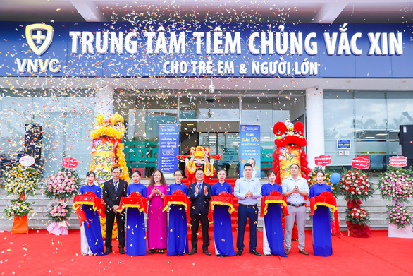 Khai trương 2 trung tâm tiêm chủng VNVC Nha Trang và Bắc Giang - Ảnh 1.