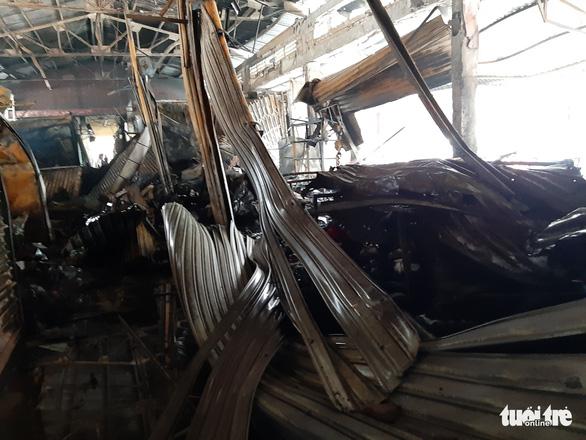 Cháy lớn ở chợ Nhị Quý, thiệt hại khoảng 5 tỉ đồng - Ảnh 6.