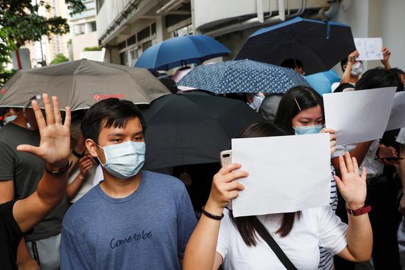 Canada nói rõ luật an ninh Hong Kong là bước lùi, Trung Quốc chỉ trích Canada can thiệp thô bạo - Ảnh 1.