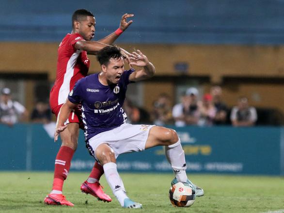HLV Hà Nội FC: Chúng tôi chỉ còn 13 cầu thủ lành lặn - Ảnh 1.