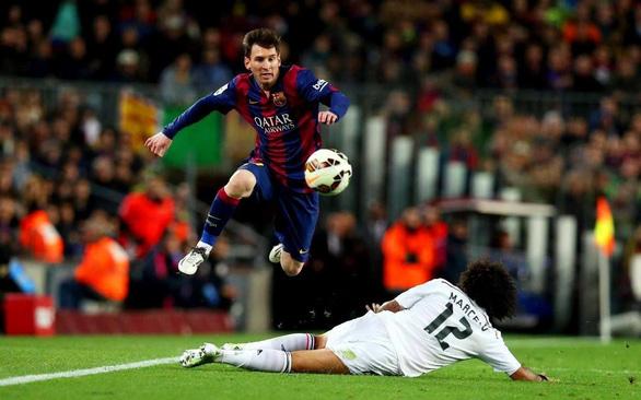 Cả La Liga lẫn người hâm mộ Barca lo âu nếu Messi ra đi - Ảnh 1.