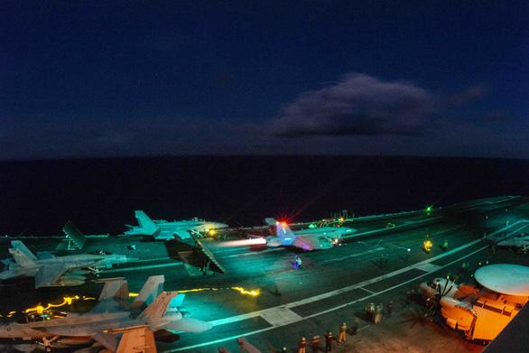 Mỹ bất ngờ hé lộ chi tiết tập trận cả ngày lẫn đêm trên Biển Đông - Ảnh 4.