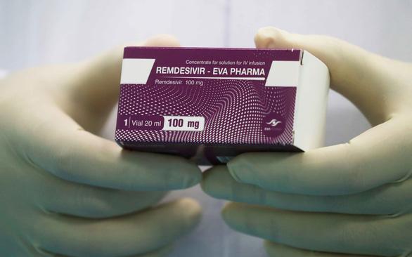 Giá Remdesivir chữa COVID-19 hơn 2.000 USD cao hay thấp? - Ảnh 1.