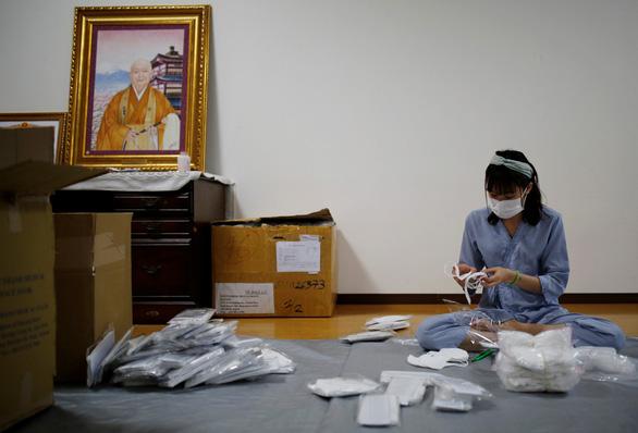 Ngôi chùa ở Tokyo đón công nhân Việt nương náu qua dịch COVID-19 - Ảnh 3.