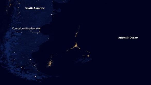 Vét sạch mực ở biển Nam Mỹ, Bắc Kinh áp đặt luôn lệnh cấm đánh bắt - Ảnh 2.