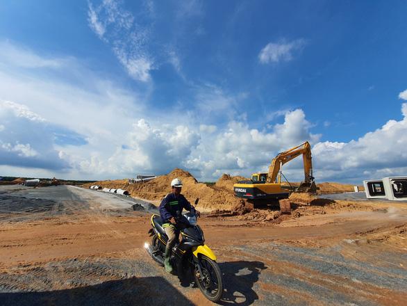 Một hộ dân nhận 12 tỉ đồng tiền thu hồi đất làm sân bay Long Thành - Ảnh 3.