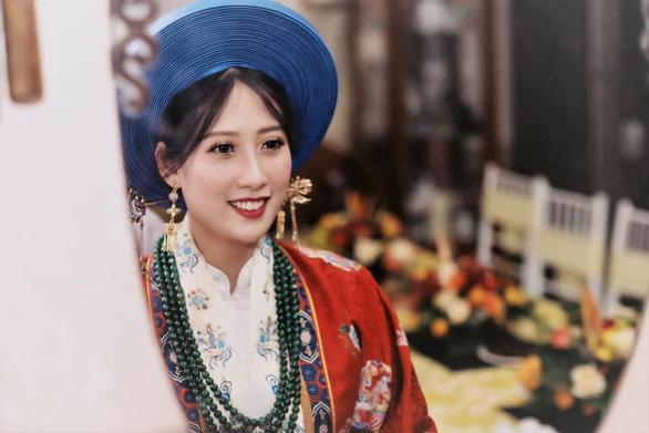 Cô dâu khoác áo Nhật Bình, chú rể diện áo tấc đẹp sững sờ đường rước dâu - Ảnh 4.