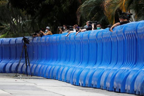 Trung Quốc lấy khách sạn làm Văn phòng bảo vệ an ninh quốc gia ở Hong Kong - Ảnh 2.