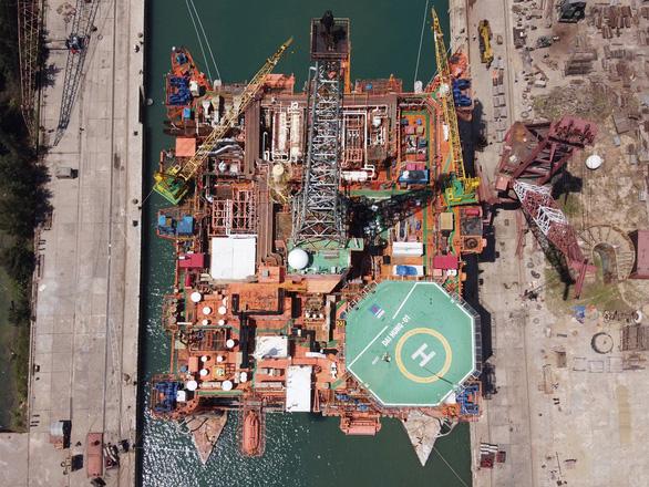 Đóng tàu Dung Quất đã vượt bão COVID-19 thế nào? - Ảnh 2.