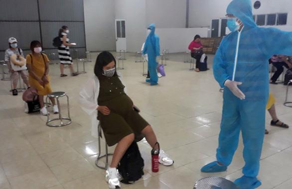 109 phụ nữ Việt mang thai trở về từ Đài Loan, cách ly ở Đồng Nai - Ảnh 1.