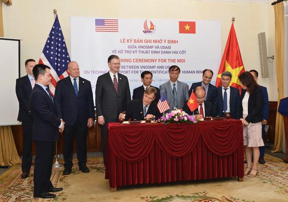 Mỹ hỗ trợ Việt Nam xác định danh tính hài cốt liệt sĩ - Ảnh 1.