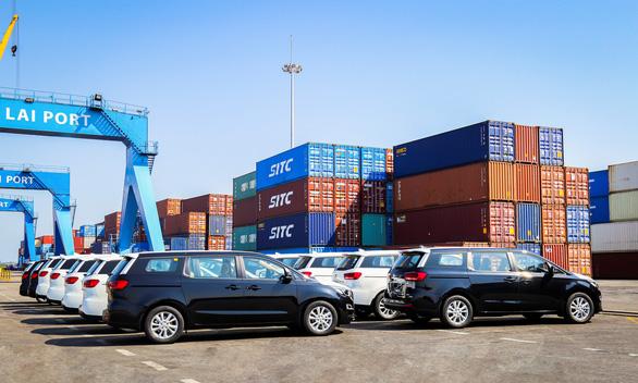 Thaco xuất khẩu xe du lịch sang Thái Lan - Ảnh 1.
