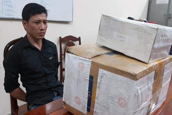 Bắt 2 người mua bán ma túy liên tỉnh, thu giữ 15kg ma túy - Ảnh 1.