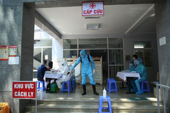 Hà Nội có 72.275 người về từ Đà Nẵng, mới test nhanh gần 50.000 người - Ảnh 1.