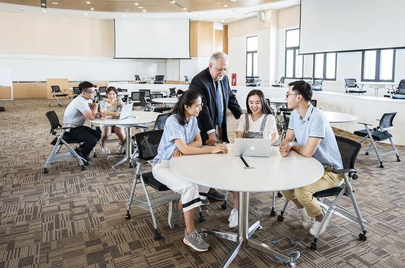 Hiệu trưởng trường Đại học VinUni:  Việt Nam có thể trở thành điểm đến của sinh viên các nước - Ảnh 2.