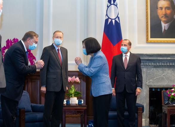 Bộ trưởng Mỹ gặp bà Thái Anh Văn: Mỹ ủng hộ mạnh mẽ người bạn Đài Loan - Ảnh 1.