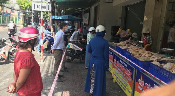 Đà Nẵng tính phương án phát phiếu, dân 2-3 ngày đi chợ một lần để phòng dịch - Ảnh 1.