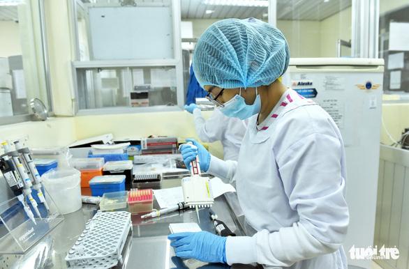 Việt Nam áp dụng phương pháp gộp mẫu để xét nghiệm phát hiện COVID-19 - Ảnh 1.