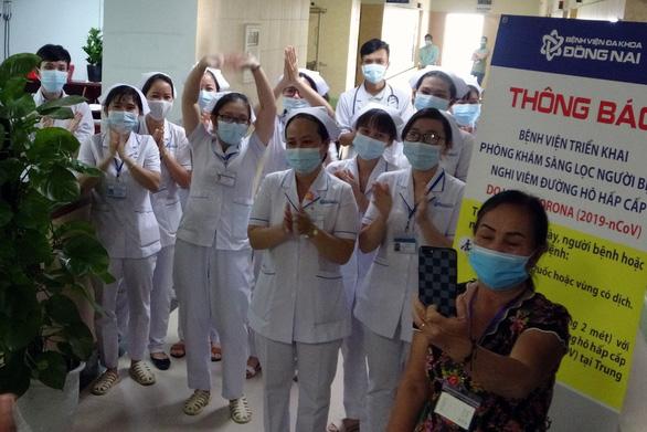 Dỡ bỏ cách ly khoa ung bướu Bệnh viện đa khoa Đồng Nai - Ảnh 2.