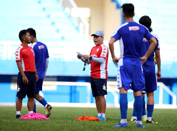 HLV Chung Hae Soung trở lại, HLV Lư Đình Tuấn và trợ lý Nguyễn Minh Phương ra đi - Ảnh 4.