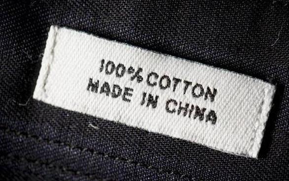 Mỹ buộc hàng nhập khẩu từ Hong Kong dán nhãn 'Made in China' - Ảnh 1.