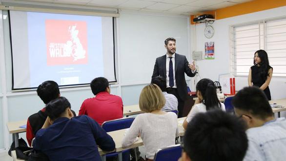 Giải pháp du học tại chỗ và chuyển tiếp quốc tế mùa COVID - Ảnh 3.