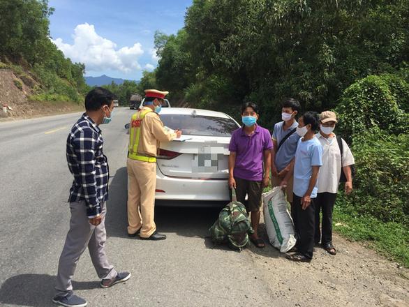 4 người từ Đà Nẵng tìm cách về quê Quảng Trị, khai nhận do thất nghiệp - Ảnh 1.