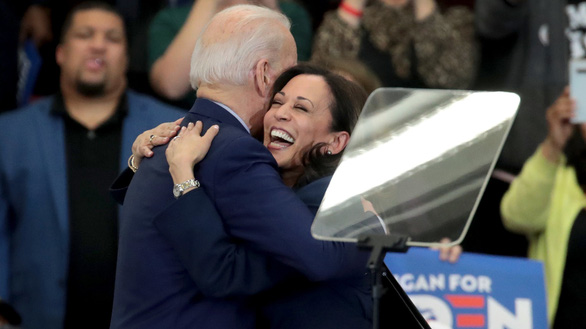 Nữ nghị sĩ da màu trở thành ứng viên phó tổng thống Mỹ là ai? - Ảnh 2.