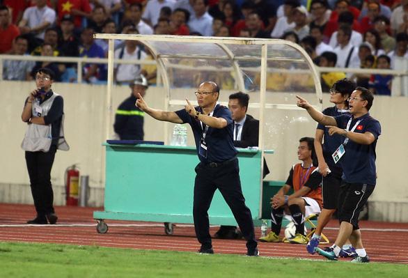 Vòng loại World Cup 2022 ở châu Á hoãn sang năm 2021 - Ảnh 2.