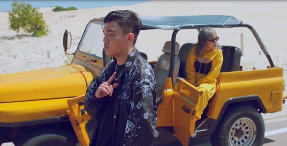 Thay đổi ngoại hình đầy bất ngờ của Huỳnh Tú trong Ngày đen trắng - Ảnh 3.