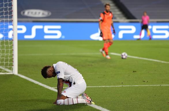 Ghi 2 bàn trong ba phút cuối, PSG giật vé vào bán kết Champions League từ tay Atalanta - Ảnh 2.