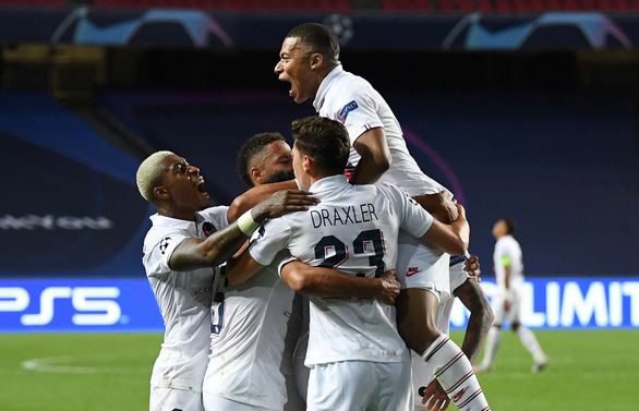 Ghi 2 bàn trong ba phút cuối, PSG giật vé vào bán kết Champions League từ tay Atalanta - Ảnh 4.